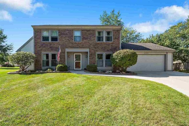 Stately 4-Bedroom House In Walden
