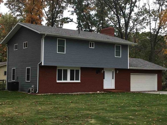1944 SqFt House In South Bend
