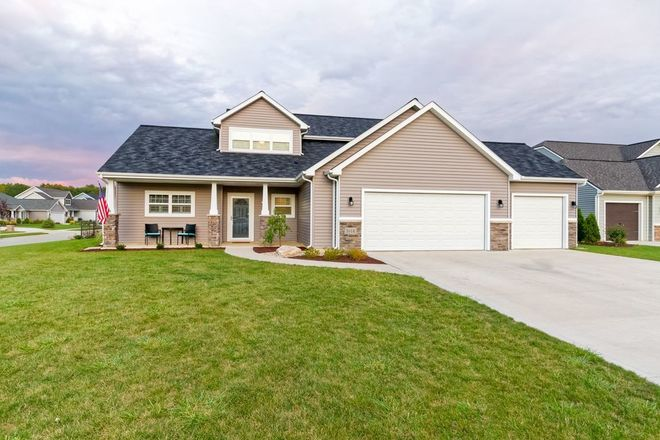 2099 SqFt House In Sycamore Lakes