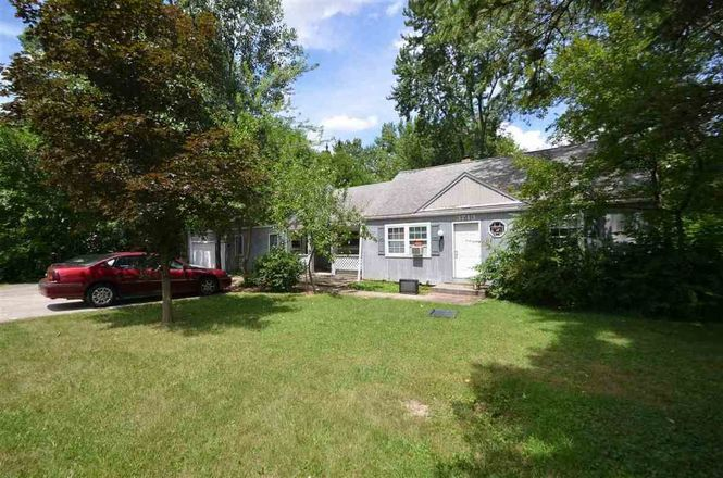 1964 SqFt House In Maysville Heights
