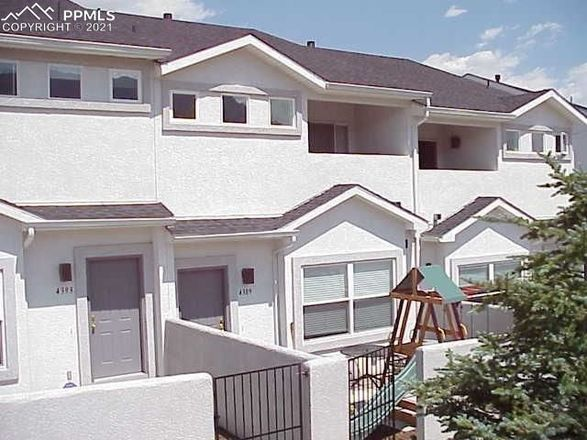 Private Townhouse With Balcony