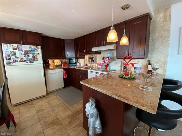 Updated 2-Bedroom Mobile Home In San Carlos On The Gulf