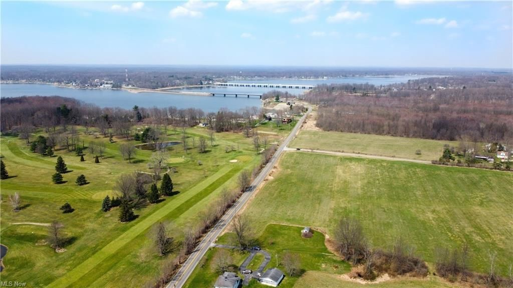 Lot In Lakeview