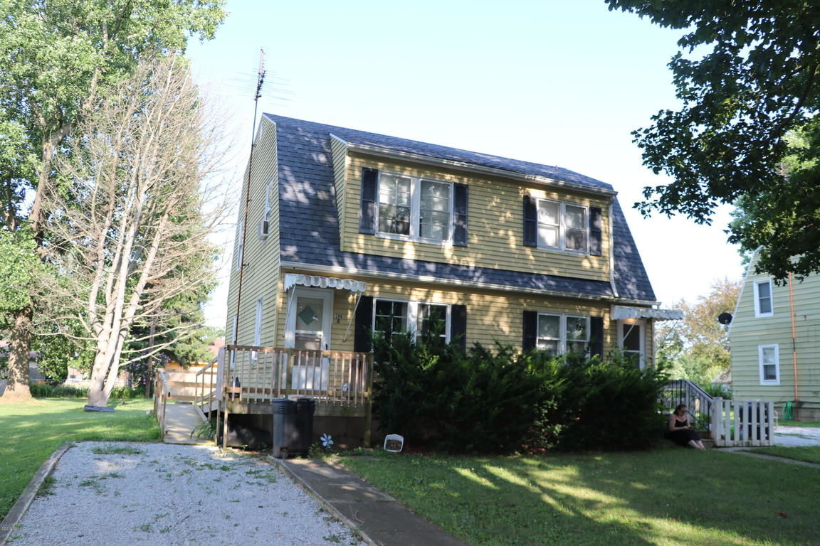 Multi-Family Home In Blakeslee Place
