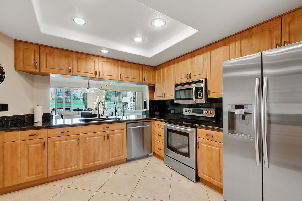 2-Bedroom House In Palm Valley Country Club