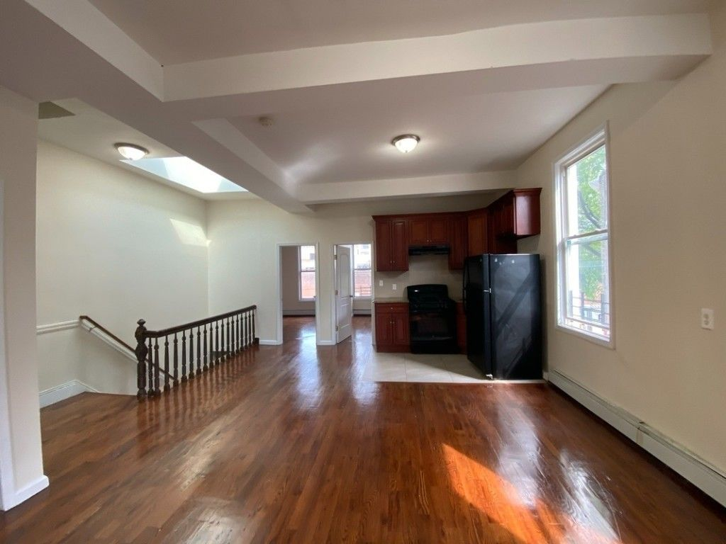 Renovated 4-Bedroom House In Bronx