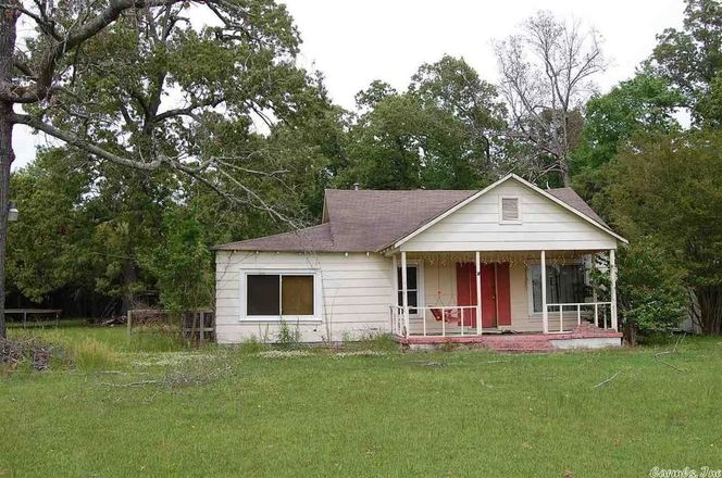 1388 SqFt House In White Hall