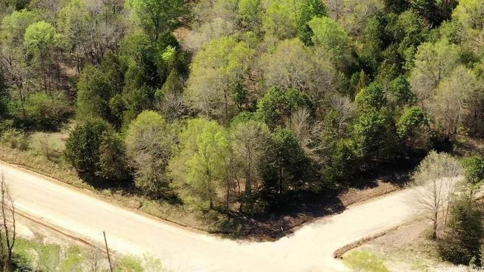 Lot In Caney Meadows