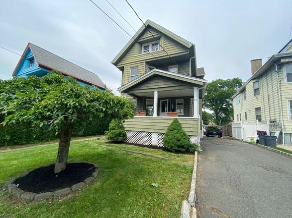 Multi-Family Home In Bloomfield
