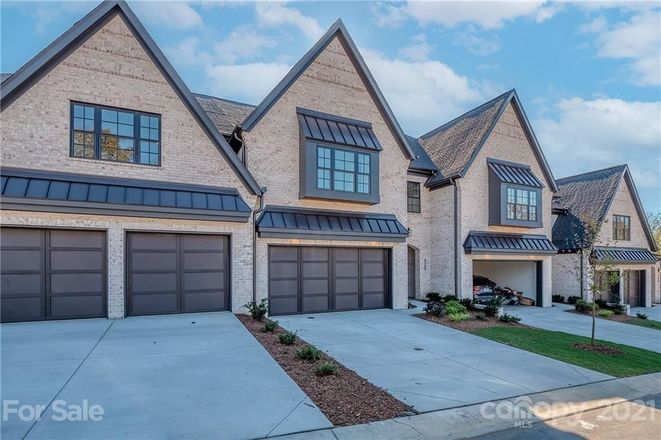 Luxurious 3-Bedroom Townhouse In Olde Providence North