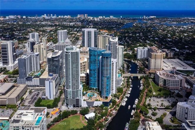 Upgraded 3-Bedroom Condo In Downtown Fort Lauderdale