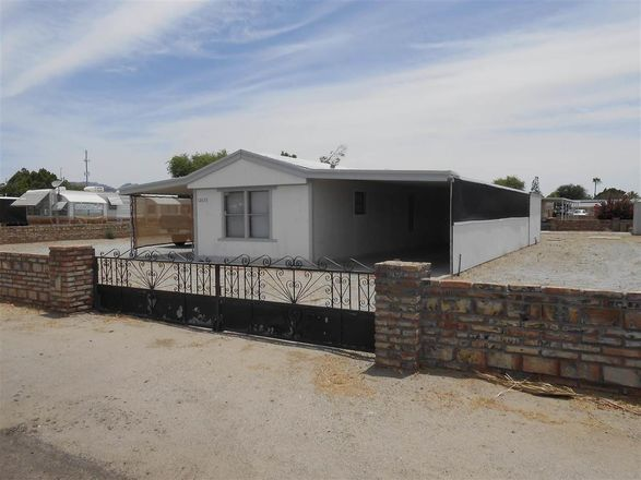 952 SqFt Mobile Home In Foothills