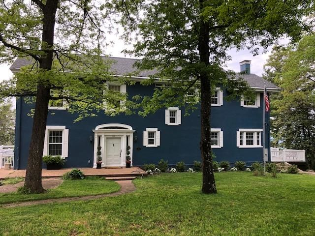 Renovated 7-Bedroom House In Lookout Mountain