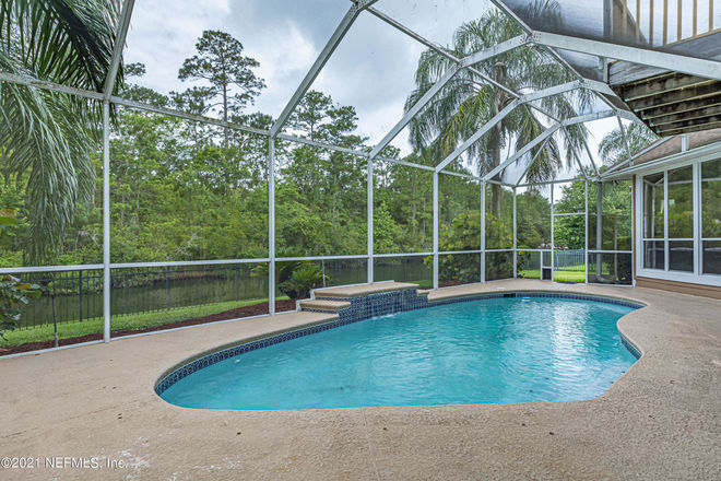 2727 SqFt House In Country Walk At Eagle Harbor