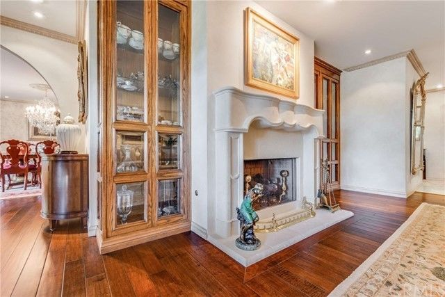 Luxurious 3-Bedroom Penthouse In Singer Park