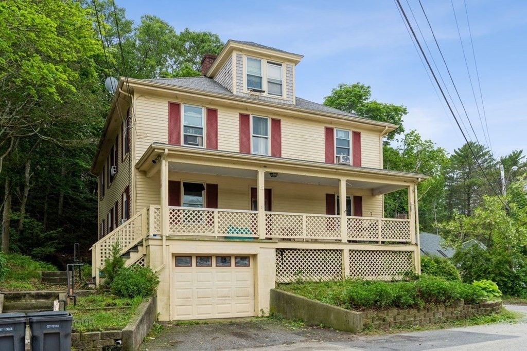 Multi-Family Home In Plymouth Center