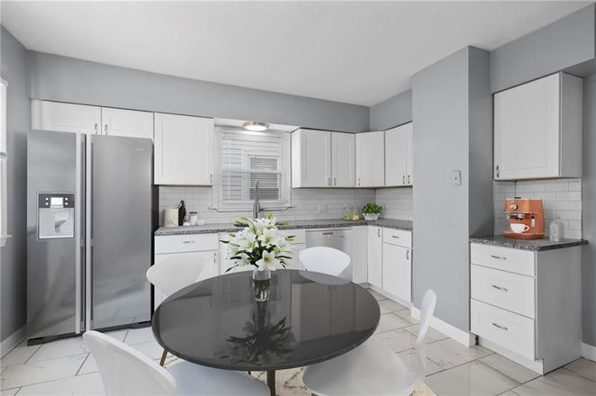 Renovated 4-Bedroom House In Charles