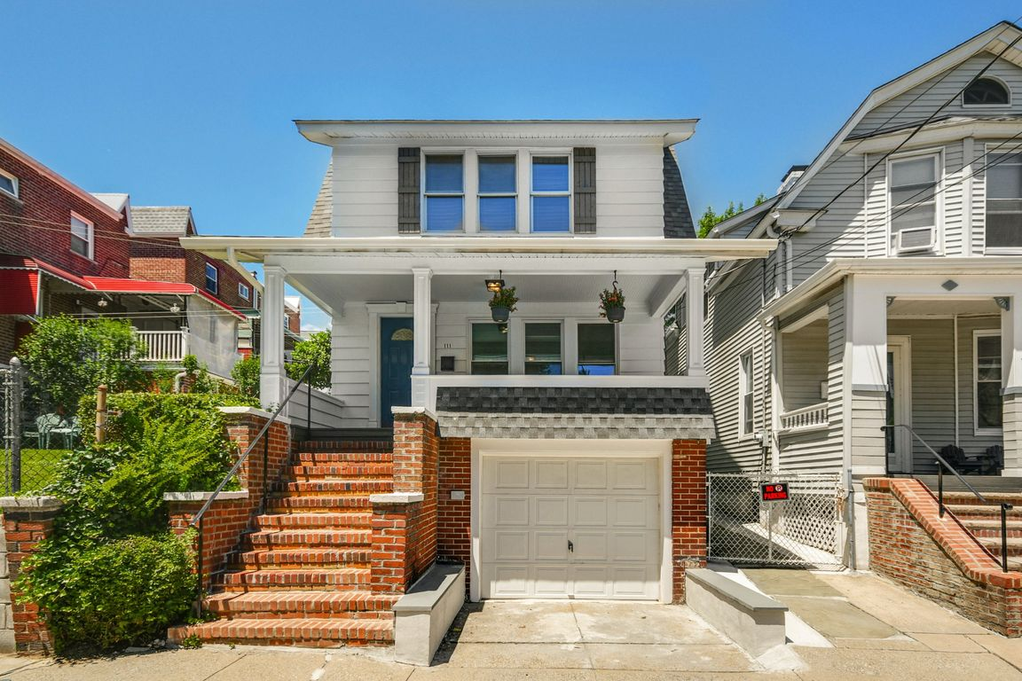 Renovated 3-Bedroom House In Woodlawn Heights