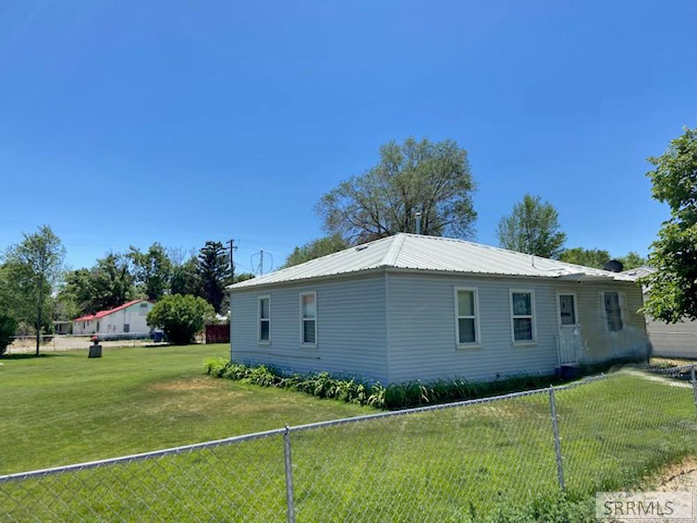 Updated 3-Bedroom House In Arco