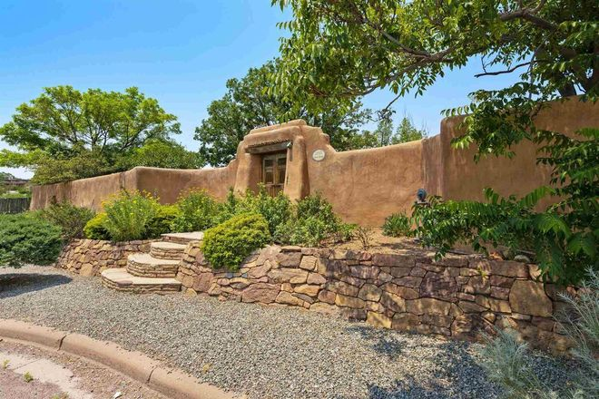 2725 SqFt House In Canyon
