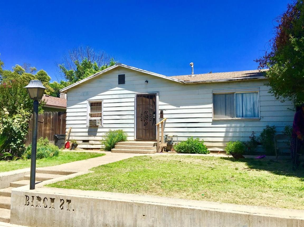 240 W BIRCH AVENUE Pinedale CA 93650 id-1104342 homes for sale