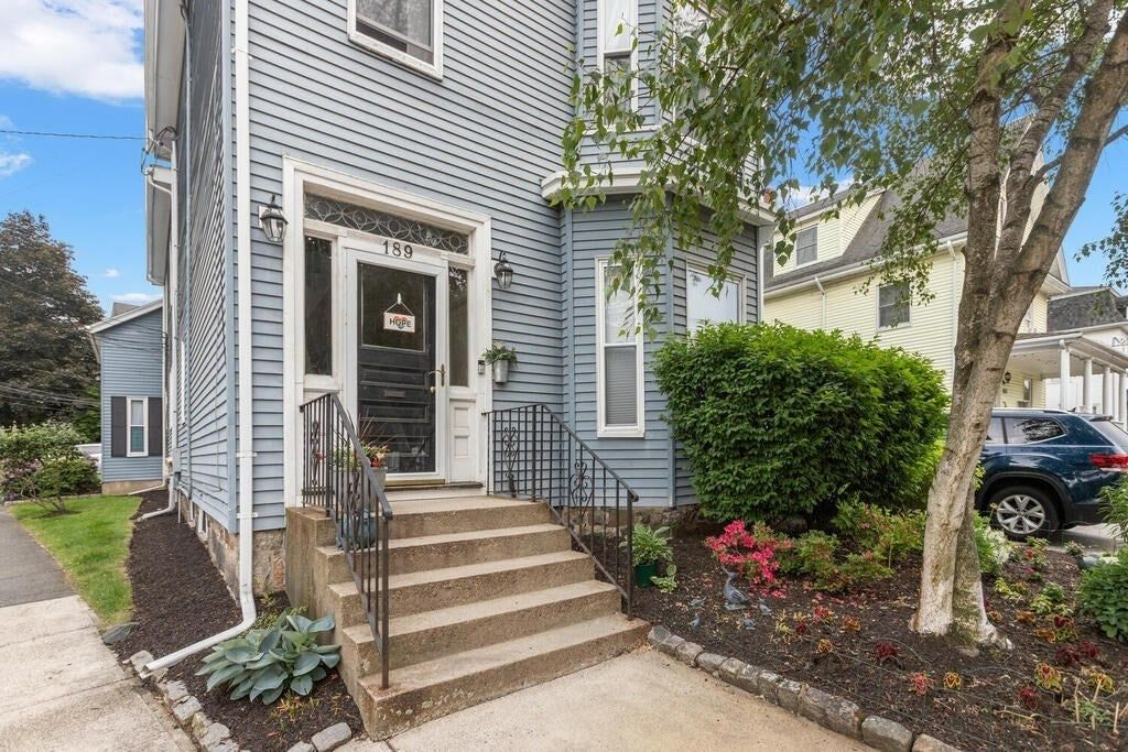 3-Bedroom Townhouse In Winchester Town Center
