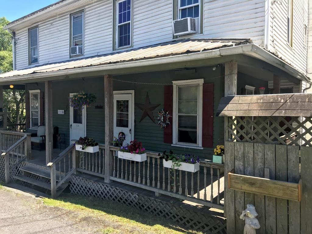 Multi-Family Home In Milroy