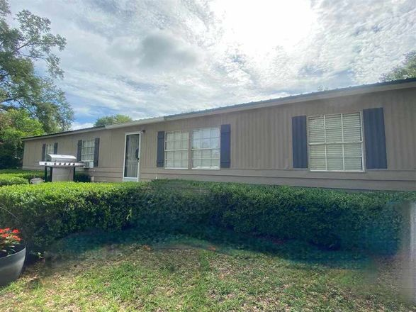 Updated 3-Bedroom Mobile Home In Pinetta (Madison County)