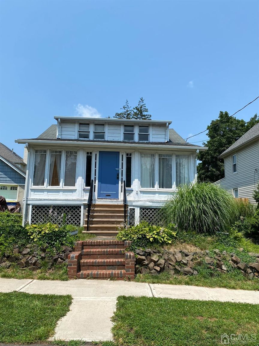 3-Bedroom House In North Plainfield