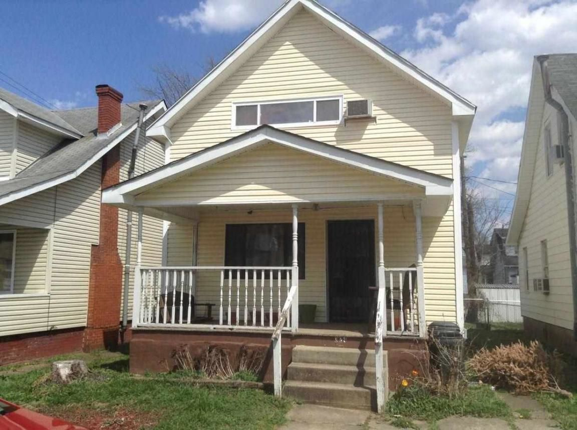 Multi-Family Home In Highlawn