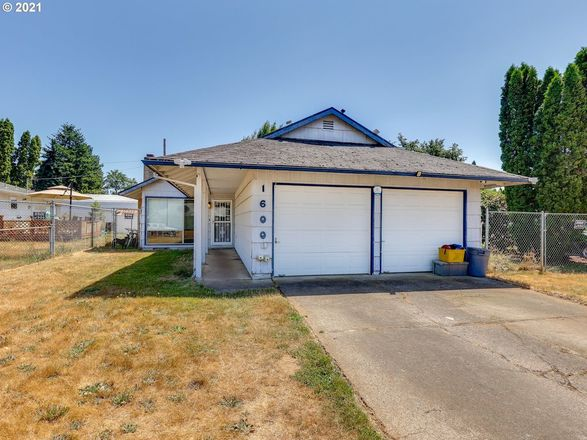 Updated 3-Bedroom House In Centennial