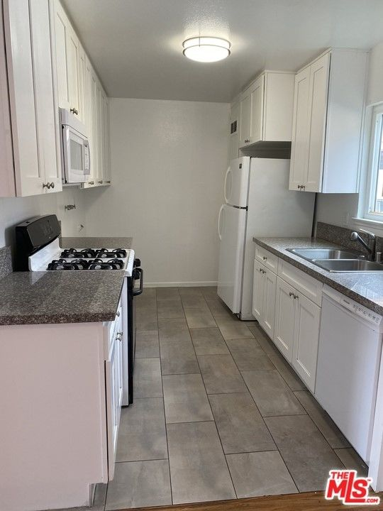 1200 SqFt House In South Central La