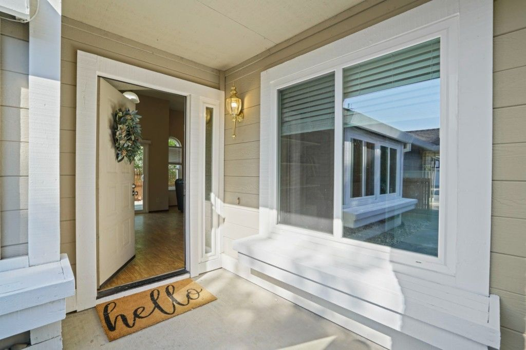 Updated 3-Bedroom House In Churchill Downs