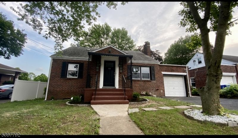 Renovated 3-Bedroom House In Rosewood Estates