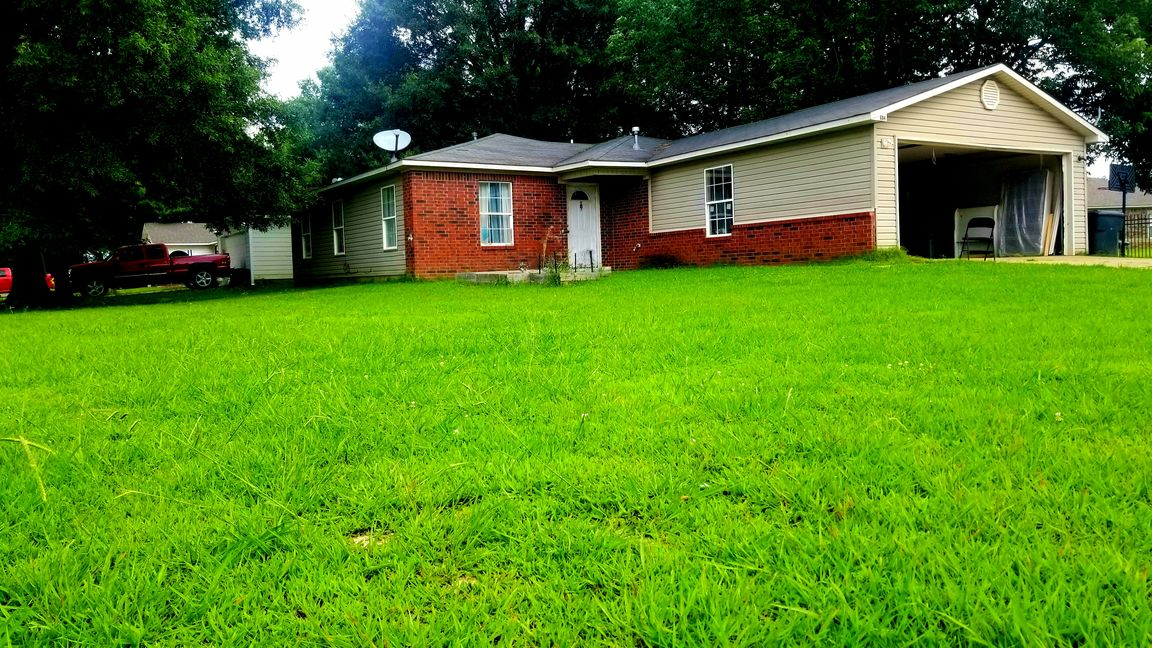 1179 SqFt House In Northgate
