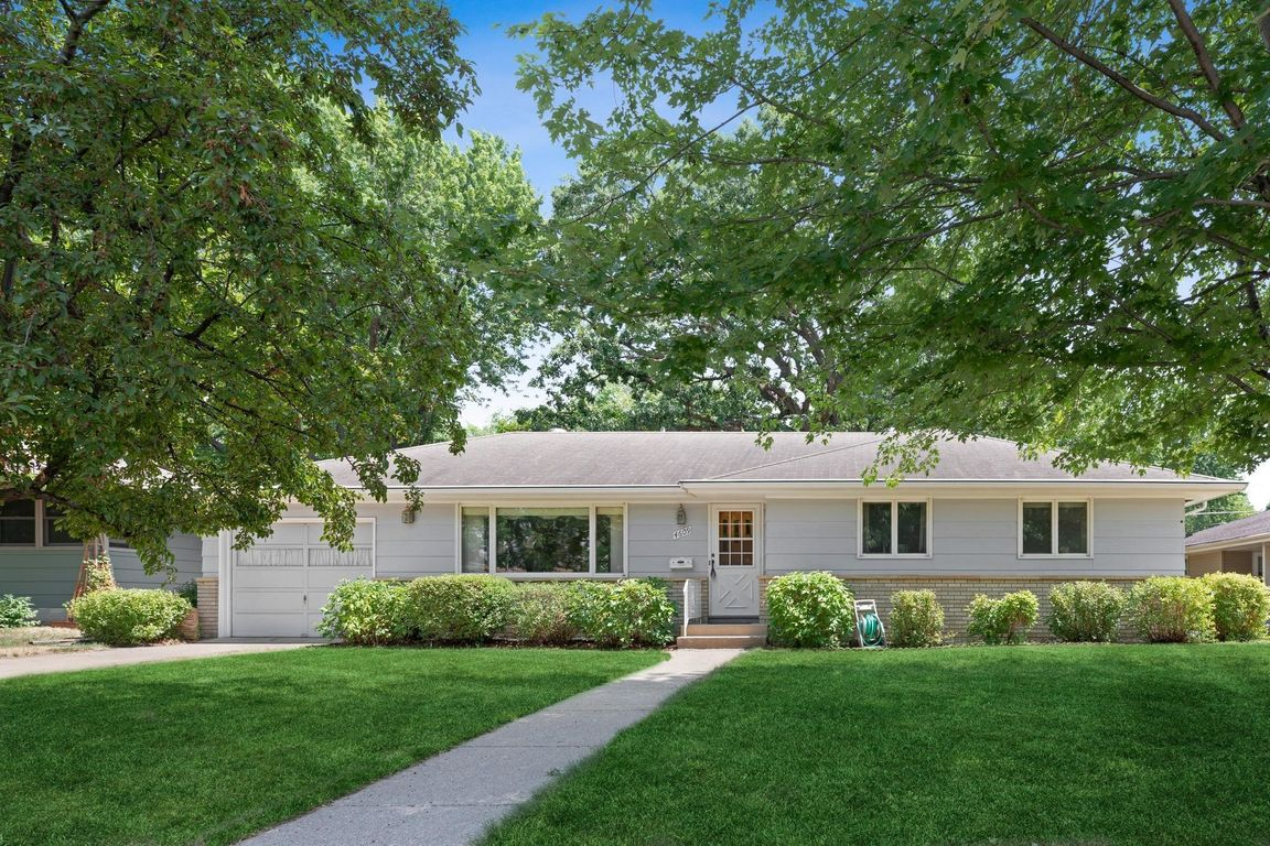 1930 SqFt House In Columbia Heights Acres