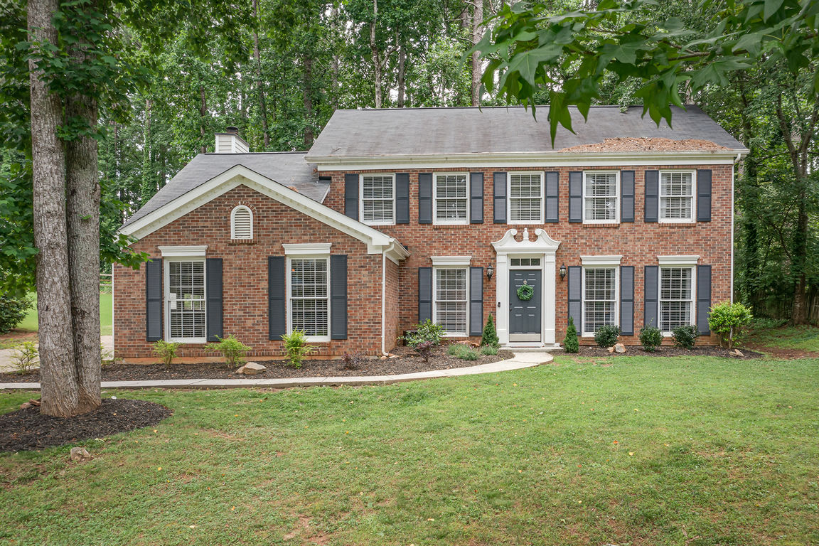 Updated 4-Bedroom House In Milford Chase