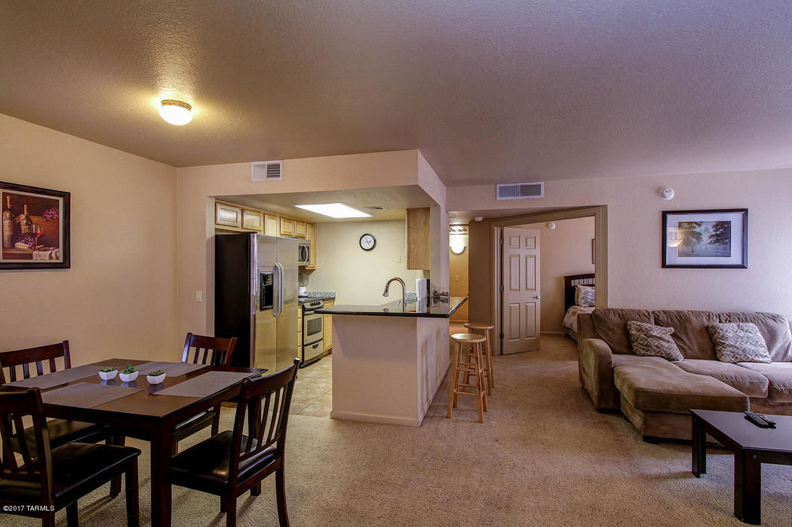 915 SqFt House In Starr Pass