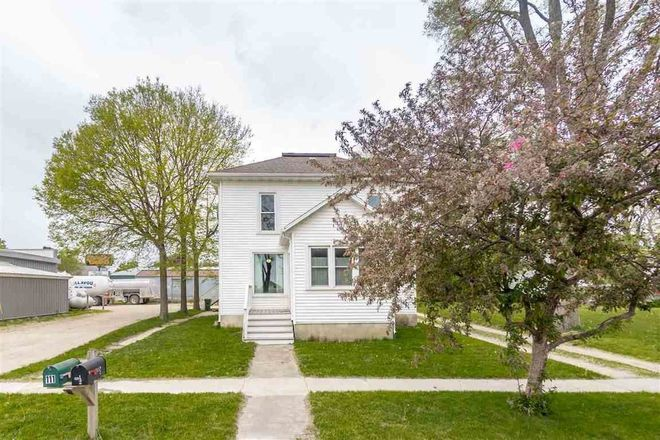 Multi-Family Home In Waverly