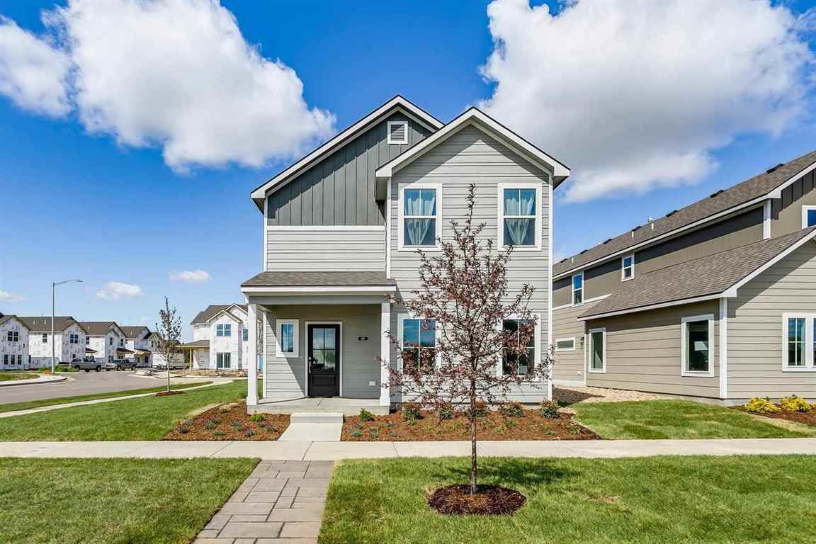 2-Story House In Andover Estates