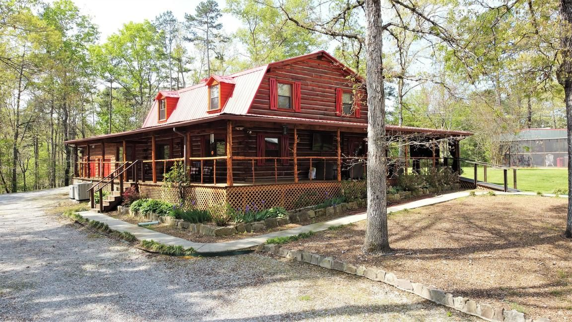 Remodeled 5-Bedroom House In Ringgold
