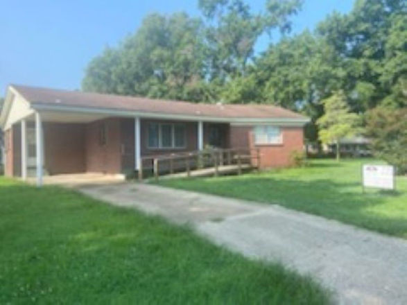 1375 SqFt House In Caruthersville