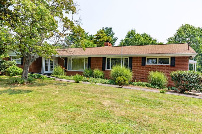 Updated 5-Bedroom House In Kingsport