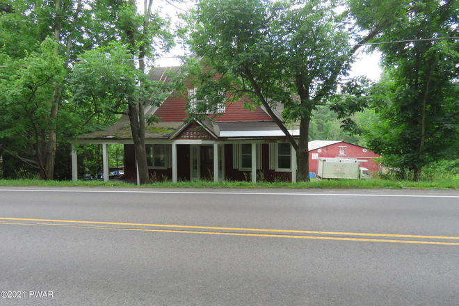 Updated 4-Bedroom House In Hawley