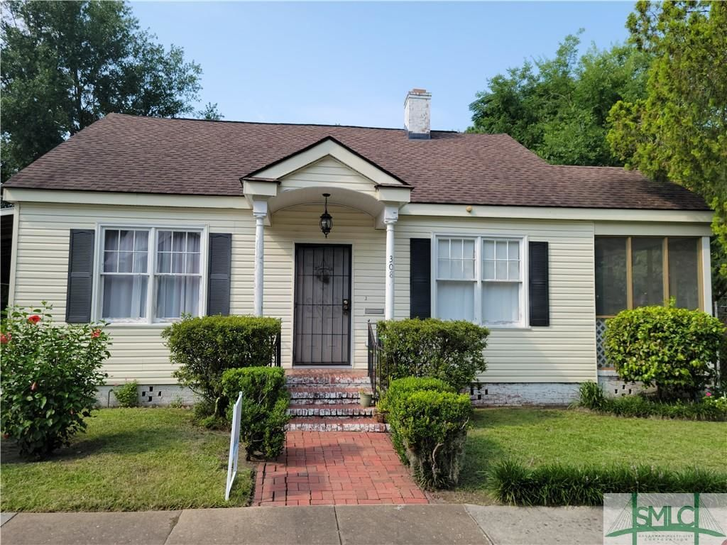 3-Bedroom House In Mid City