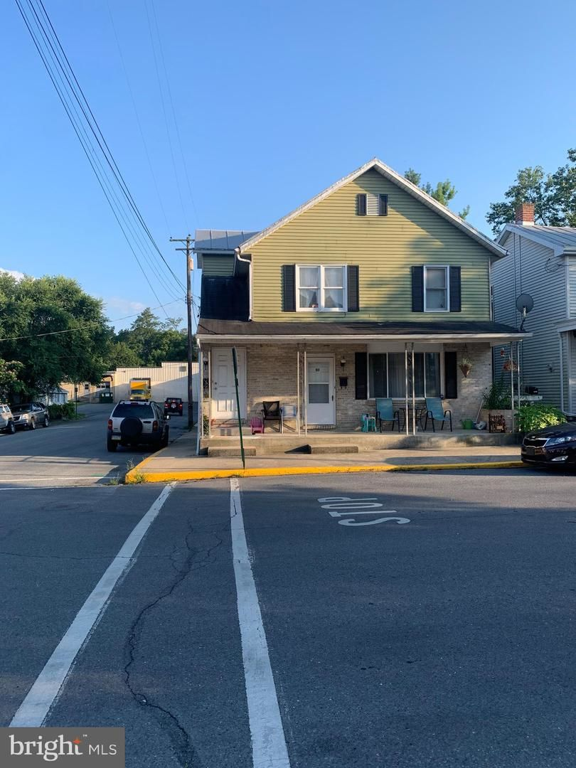 Multi-Family Home In Newville