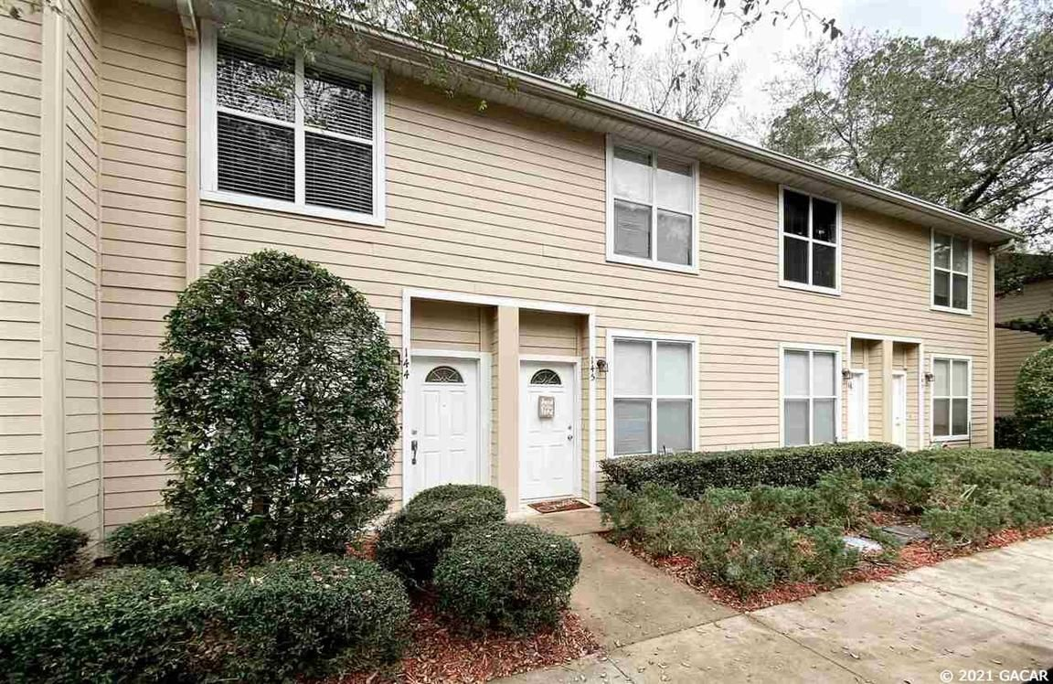 Upgraded 2-Bedroom Townhouse In Woods Edge South