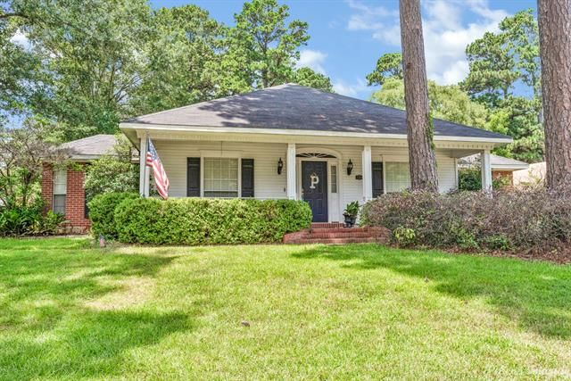 Updated 3-Bedroom House In Airport Pines Road