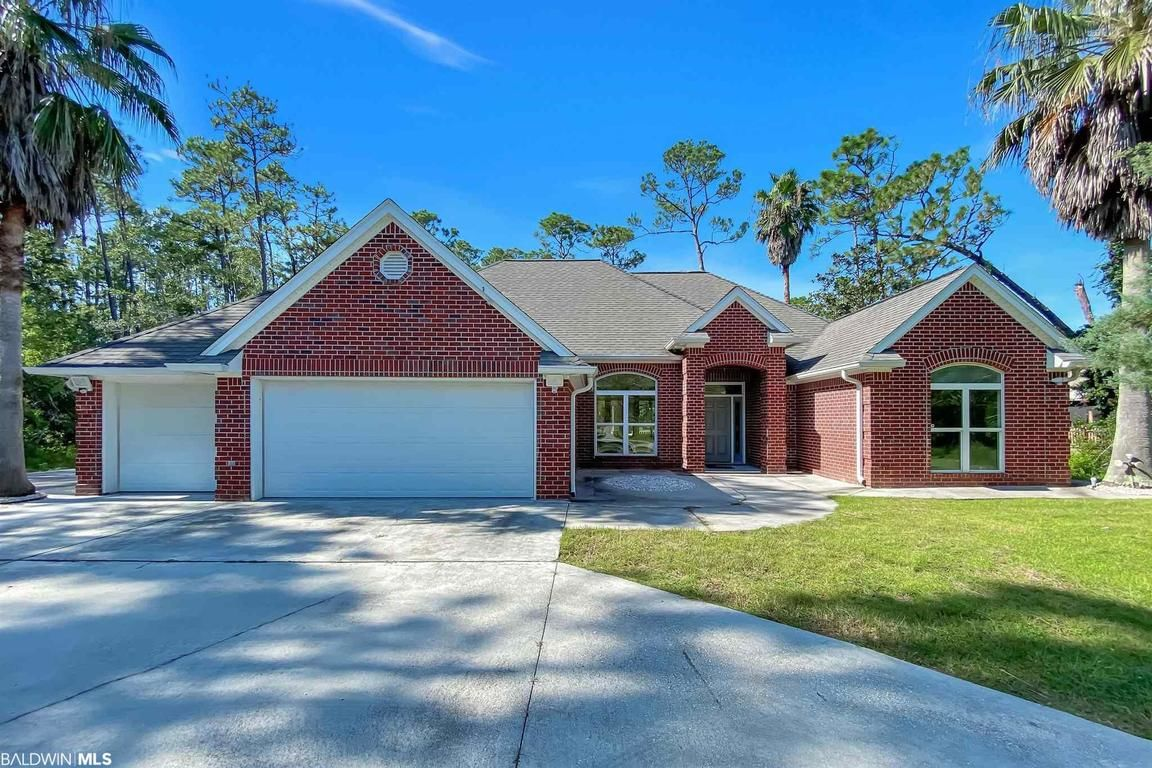 Renovated 4-Bedroom House In Gulf Shores