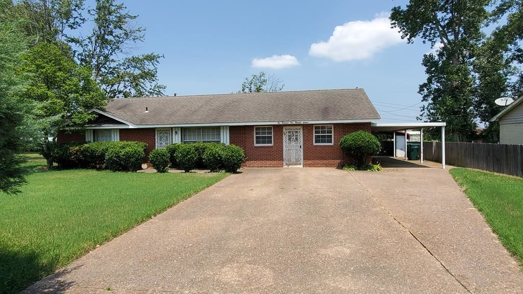 House In Southland Acres